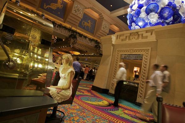 Atlantis-Casino, Bahamas. Ảnh: Tim Laman