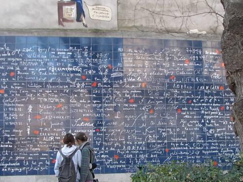 Le mur des je t'aime. Ảnh: Flickr