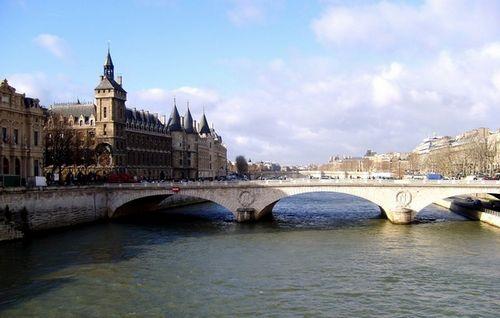 Pont Neuf. Ảnh: Fotocommunity