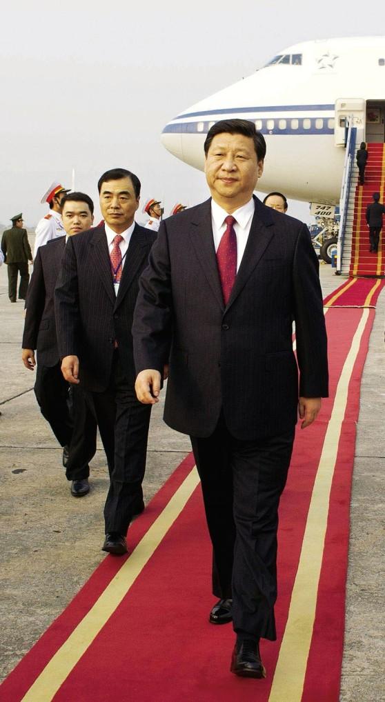 Phó Chủ tịch nước Tập Cận Bình trong tháng 12 năm 2011 tại một chuyến đi thăm chính thức Việt Nam. Ảnh: Chine Nouvelle / Sipa Press.