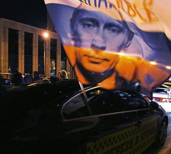 Đoàn ô tô của những người ủng hộ Putin ở Moscow vào ngày 18 tháng 2. Ảnh: Der Spiegel.
