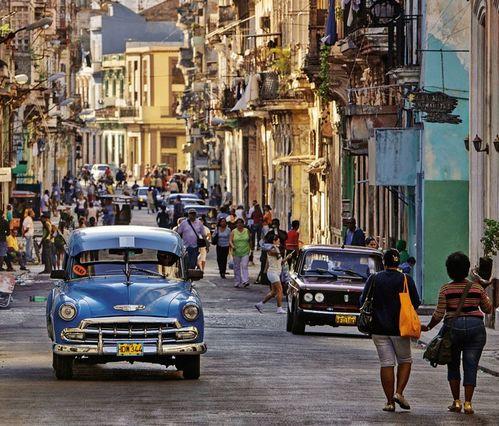 Đường phố trong Havanna. Ảnh: Der Spiegel