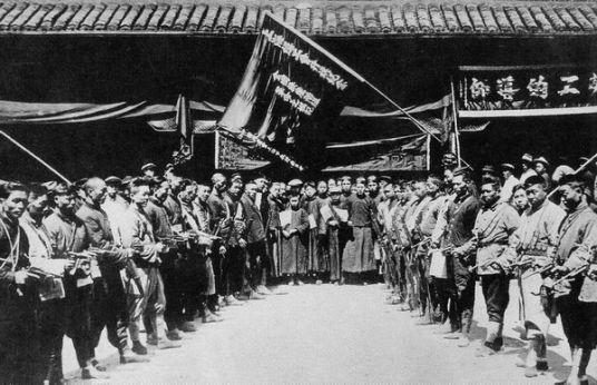 Công nhân và thành viên công đoàn ở Thượng Hải