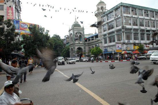 Yangon có những công trình xây dựng lộng lẫy
