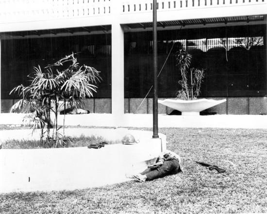 Một người Việt Cộng chết trong Đại sứ quán Hoa Kỳ ngày 31 tháng 1 năm 1968
