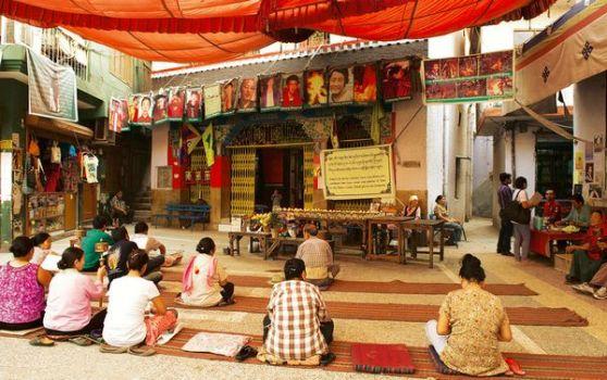 Tưởng niệm những người Tây Tạng đã tự thiêu trong chùa ở Majnu-ka Tilla