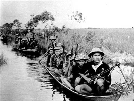 Người lính Việt Cộng, 1965. Ảnh: AP