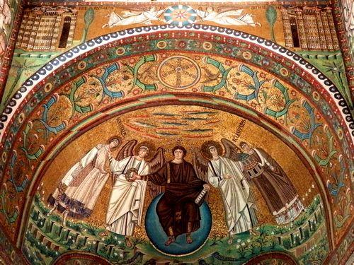 Tranh khảm trong nhà thờ San Vitale ở Ravenna. Ảnh: Phan Ba