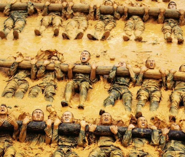 Một đơn vị chống khủng bố của Trung Quốc đang luyện tập. Ảnh: Der Spiegel