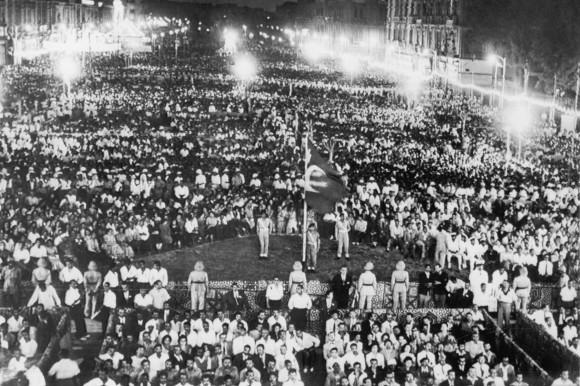 Gamal Abdel Nasser tuyên bố quốc hữu hóa kênh đào Suez