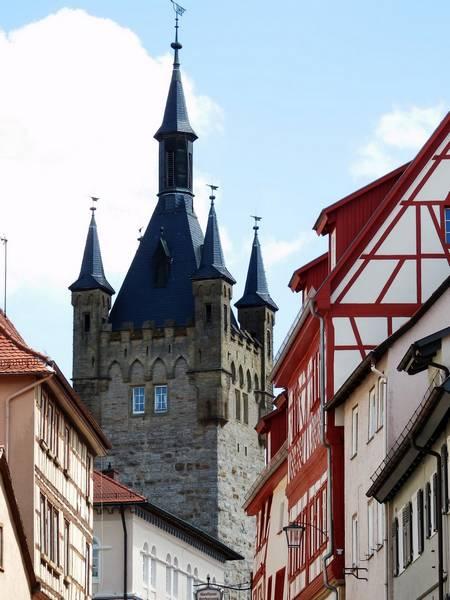 Chiếc tháp Xanh biểu tượng của Bad Wimpfen