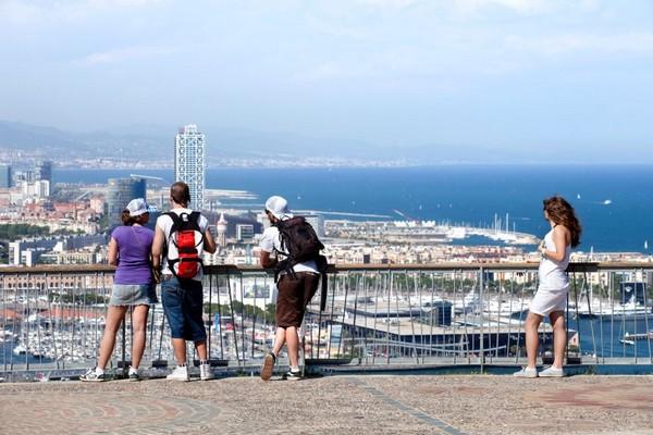 Phong cảnh nhìn từ núi Montjuïc. Ảnh: Tim Langlotz