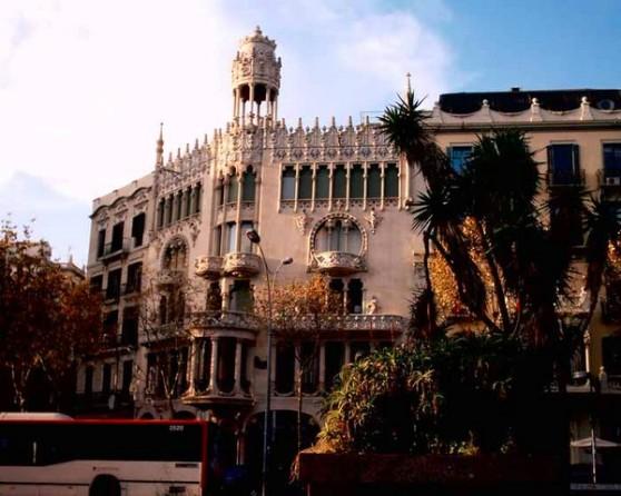 Casa Lleó của kiến trúc sư Domènech. Ảnh: Adrian Welch