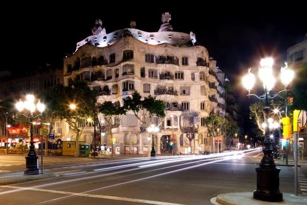 """Casa Milà, cái """"mỏ đá"""" của Gaudí. Ảnh: Tim Langlotz"""