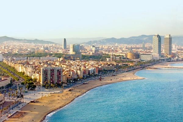 Hình ảnh thành phố Barcelona đã được hiện đại hóa sau Thế Vận Hội 1992. Ảnh: Tim Langlotz