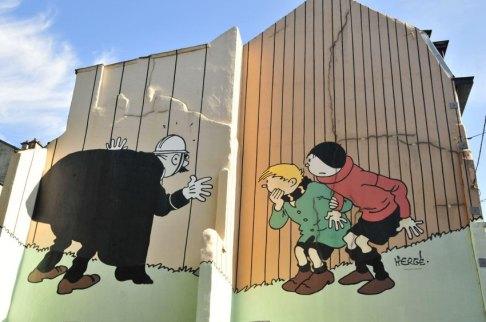 Comic được vẽ trên đường phố trong thủ đô của nước Bỉ. Hình: F. v. Poser
