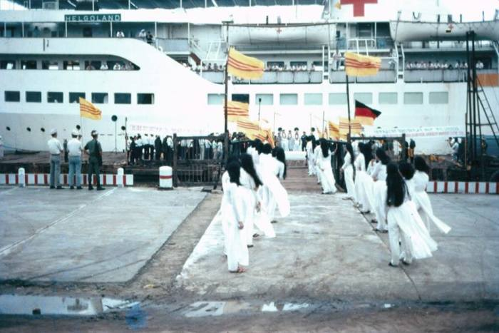Chào mừng con tàu Helgoland cập bến Đà Nẵng