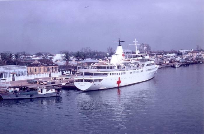 Tàu Helgoland ở Đà Nẵng