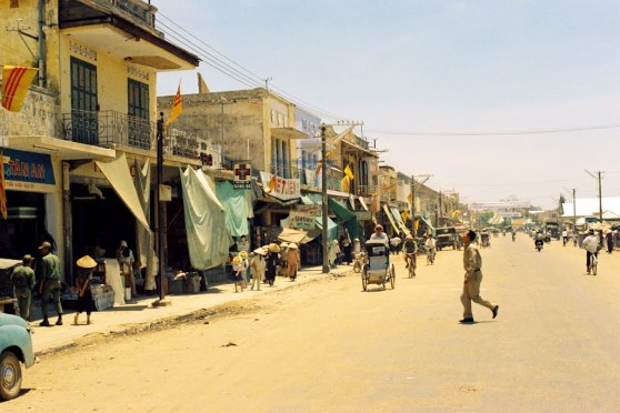 Đường Trần Hưng Đạo ở Huế, 19.04.1967, Hình của Dan Arant