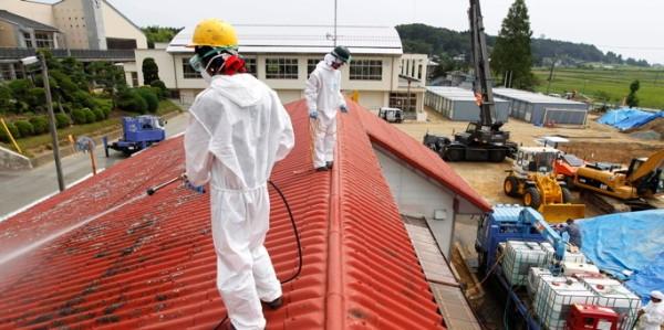 Một nhà trẻ ở Minamisoma được khử phóng xạ