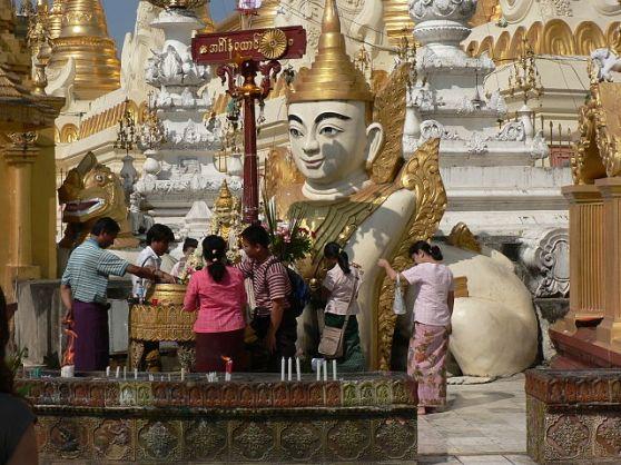 Chùa Shwedagon ở Yangon, Myanmar. Hình: Wikipedia