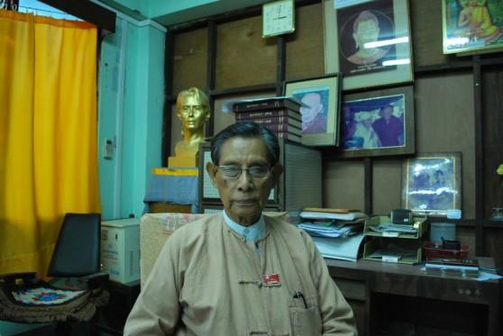 U Tin Oo trong trụ sở chính của NLD. Hình: Simon Roughneen