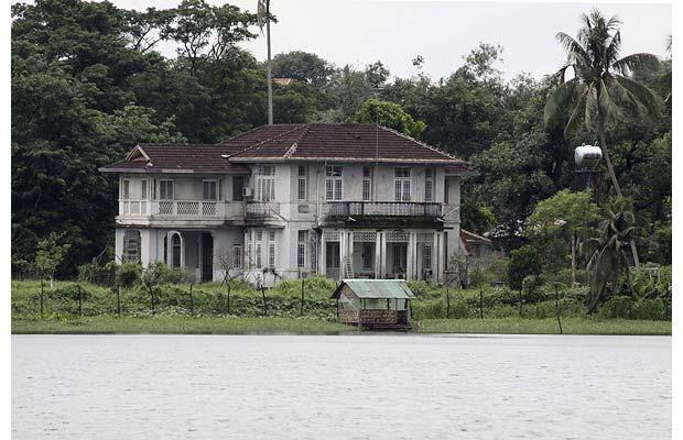 Ngôi nhà nơi bà Aung San Suu Kyi bị quản thúc tại gia. Hình: telegraph.co.uk