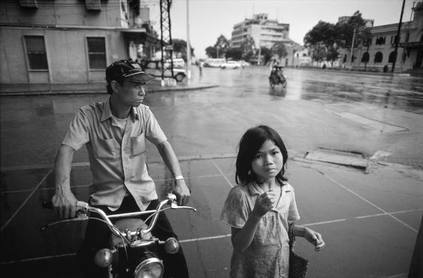 Sài Gòn1985 - Ngã tư Nguyễn Huệ-Ngô Đức Kế. Hình: Philip Jones Griffiths