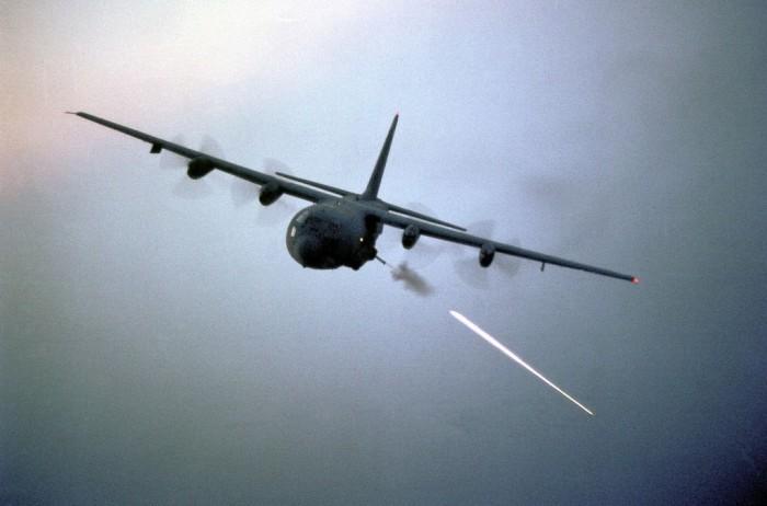 Máy bay AC-130