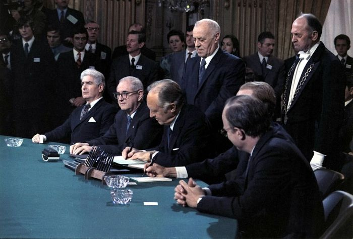 Ký kết Hiệp định Paris 1973