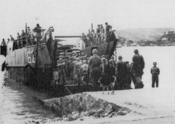Tháng Mười 1954, những người lính Pháp cuối cùng rời Việt Nam.