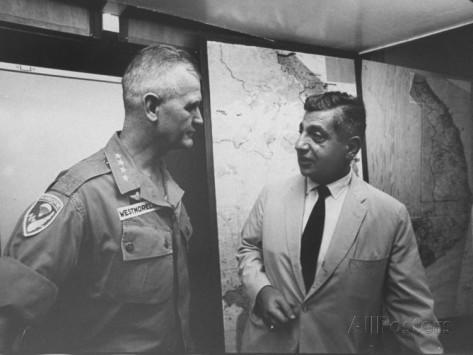 Barry Zorthian với tướng William C. Westmoreland