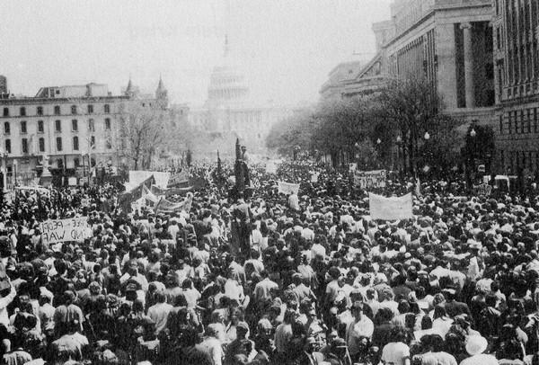 Hàng trăm ngàn cựu chiến binh Việt Nam tiến về Capitol ở Washington, yêu cầu chấm dứt chiến tranh ở Việt Nam