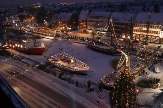 Chợ Giáng Sinh nổi ở Emden