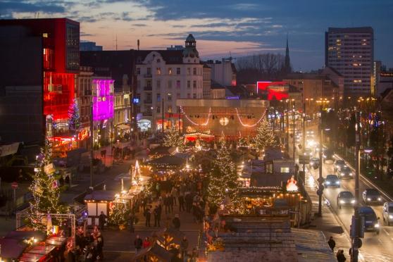 Chợ Giáng Sinh gợi cảm nhất: chợ trong Santa Pauli, Hamburg