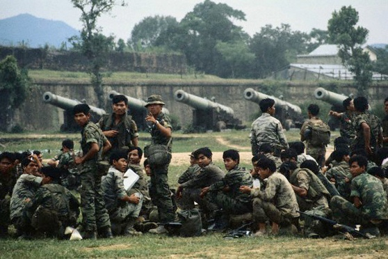 Lính Thủy Quân Lục Chiến ở Huế ngày 3 tháng Năm năm 1972