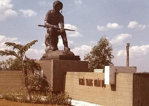 Tượng Thương Tiếc tại Nghĩa trang Biên Hòa