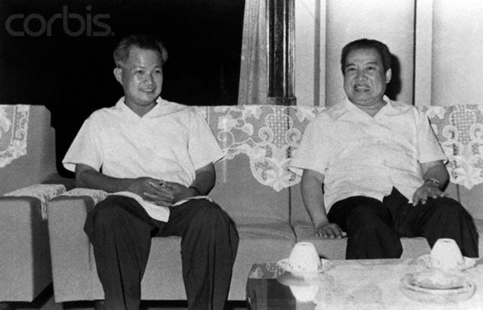 Khieu Samphan và hoàng Tử Sihanouk