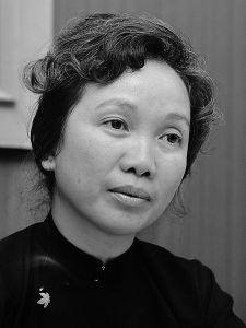 Bà Dương Quỳnh Hoa, Bộ trưởng Bộ Y tế của Chính phủ Cách mạng lâm thời (cho tới tháng Bảy 1975, khi bộ máy bị giải thể). Bà xin ra khỏi Đảng năm 1979