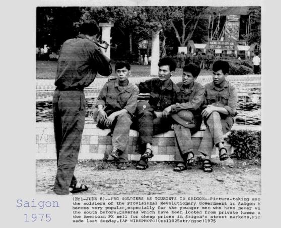 Sài Gòn, tháng Sáu 1975, lính MTGP tham quan Sài Gòn