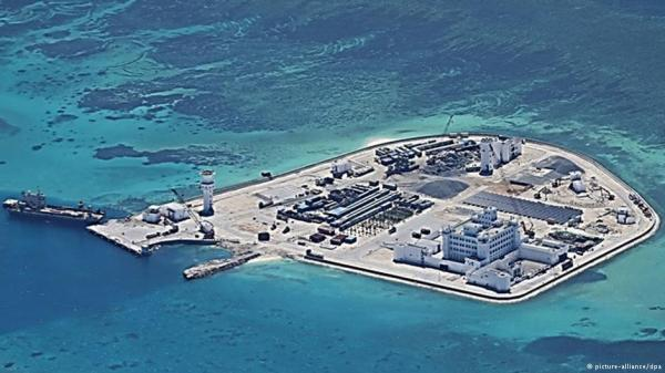 Đảo nhân tạo của Trung Quốc trên bãi đá Gạc Ma