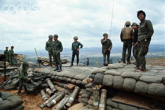 Căn cứ Hỏa lực Delta 1 cách biên giới khoảng 9 dặm trên đất Lào