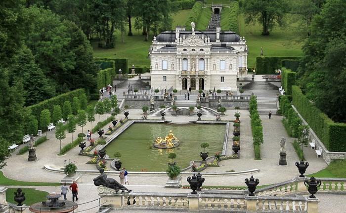 Lâu đài Linderhof