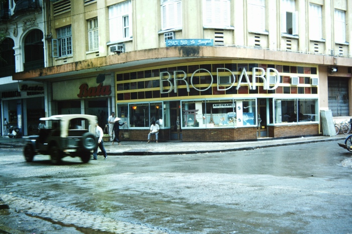 Quán Brodard, một phần không thể thiếu của Sài Gòn xưa cũ.