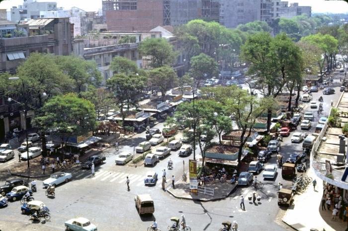 Sài Gòn 1965 nhìn từ khách sạn Rex