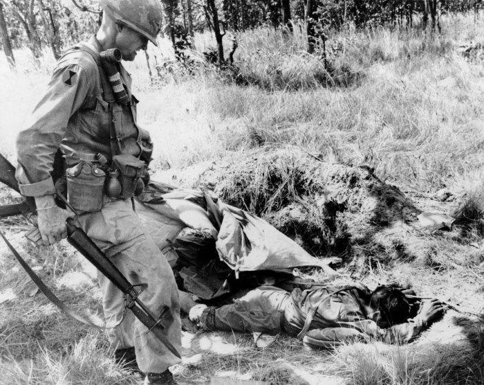 Đại tá Moore và thương vong của quân địch