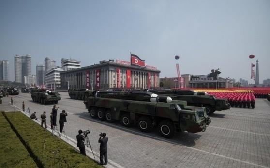 Tên lửa đạn đạo tầm trung Musudan với tầm bắn khoảng 3.500 km, được cho là đủ để vươn tới được vùng lãnh thổ Guam của Mỹ, thuộc tây Thái Bình Dương. Ảnh: AFP
