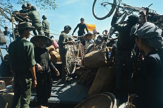 Di dời dân chúng khỏi Bến Súc, vùng do VC kiểm soát, 14 tháng Giêng 1967