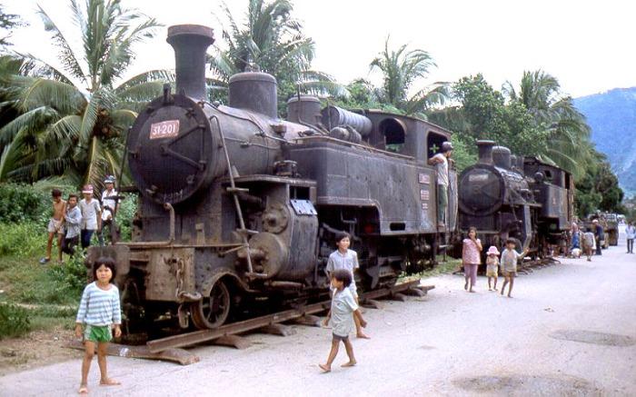 Đầu máy xe lửa răng cưa trên đường trở về lại Thụy Sĩ