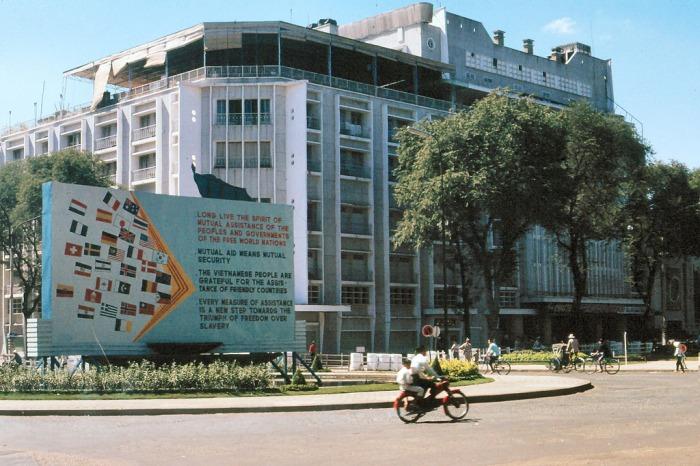 Thư viện Abraham Lincoln và rạp REX, Sài Gòn 1965
